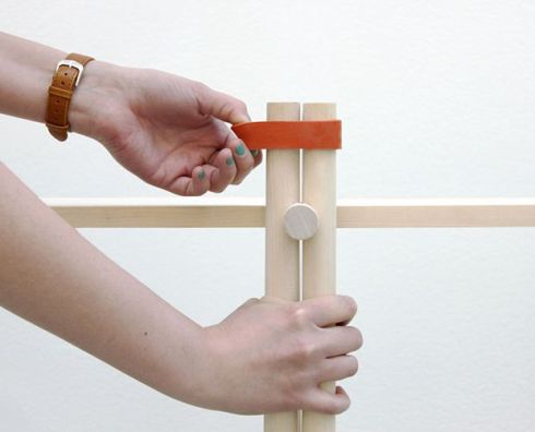 gustav-persons-glue-less-joint-using-turned-components-and-an-elastic-band